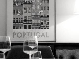 Apartamento, Baixa - Porto: Salas de jantar ecléticas por Mia Arquitetos