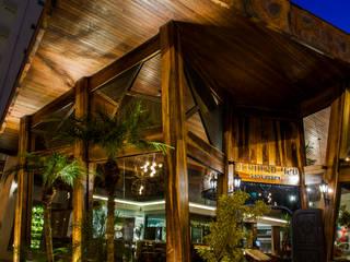 Restaurante por Dinah Nazari Arquitetura Moderno