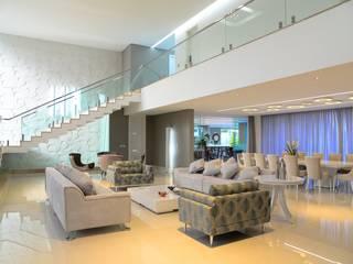 Residência Jardim Sabiás Salas de estar modernas por Luiz Márcio Arquitetos Moderno