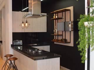 Diseño y construccion (Reforma y remodelacion) - Apto de soltero - Barranquilla Cocinas de estilo industrial de Savignano Design Industrial