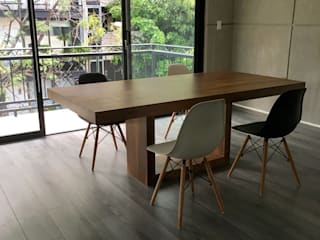Segusino Muebles Condesa Dining roomTables Solid Wood Wood effect
