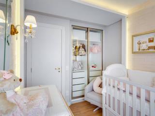 Quarto de bebê_Apto CB Quarto infantil moderno por Carolina Kist Arquitetura & Design Moderno