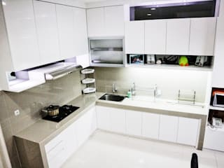 White Luxury Kitchen The GoodWood Interior Design Dapur Minimalis
