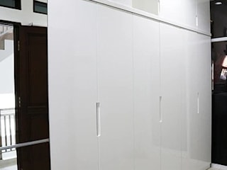 White Minimalist Wardrobe The GoodWood Interior Design Kamar Tidur Minimalis