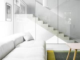Salas / recibidores de estilo  por Loft Kolasiński ,
