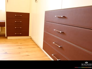 Classic style dressing room by Wagner Möbel Manufaktur Classic