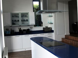 Wellesley Close - Waterlooville Dapur Modern Oleh dwell design Modern