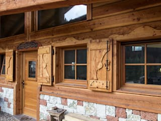 MORO SAS DI GIANNI MORO Rustic style windows & doors