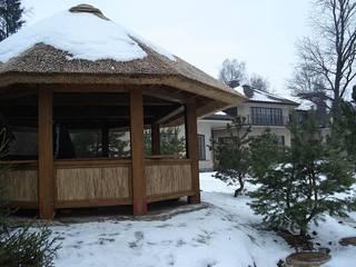 Камышовые кровли: Наклонные крыши в . Автор – Solid Houses