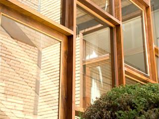 JMN arquitetura Rustic style conservatory Wood