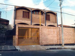 Residência em São Carlos por JMN arquitetura Rústico