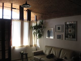 Residência em São Carlos Salas de estar rústicas por JMN arquitetura Rústico