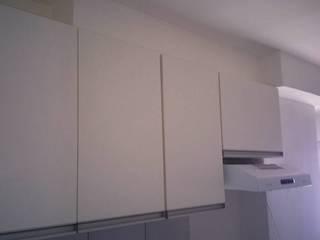apartamento: Cozinhas embutidas  por DF moveis planejados,Moderno