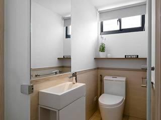 原.敘:  浴室 by 築川設計