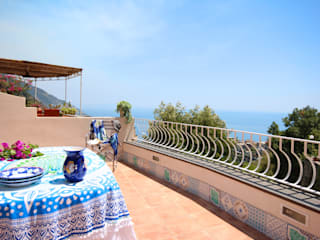 archielle Mediterranean style balcony, porch & terrace