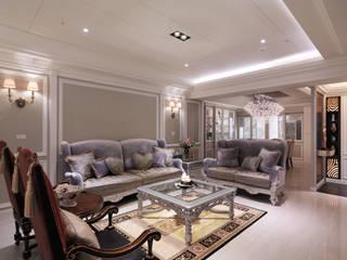 奢華新古典:  客廳 by 哲嘉室內規劃設計有限公司, 古典風