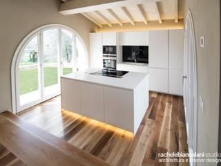 : Cucina in stile  di Rachele Biancalani Studio - Architecture & Design