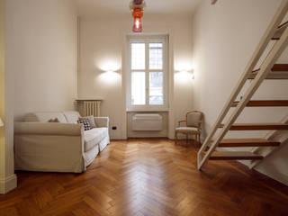 Chantal Forzatti architetto Salon moderne Bois massif Blanc