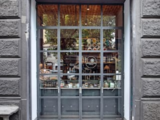 Industrial style windows & doors by Chantal Forzatti architetto Industrial