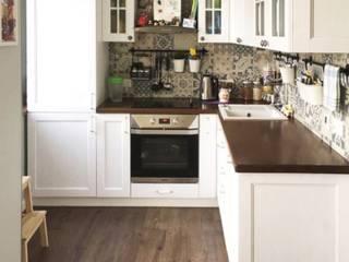 "Кухня с плиткой пэчворк с фасадами ""Ларс"" из ясеня: Кухни в . Автор – МИКСОН,"