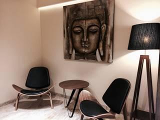 Iscon Platinum Show Apartment Modern corridor, hallway & stairs by Studio R designs Modern