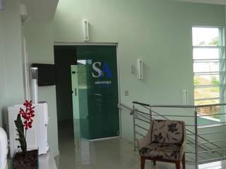 Comercial SA Odontologia Clínicas modernas por SERARTE ENGENHARIA Moderno