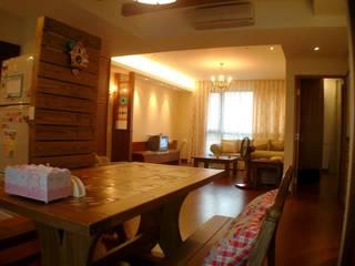 餐廳與客廳 根據 Hi+Design/Interior.Architecture. 寰邑空間設計 鄉村風