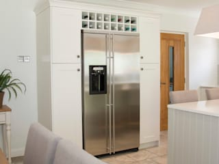Classic Hamptons Style ADORNAS KITCHENS Built-in kitchens Wood Beige