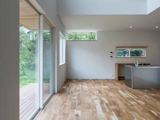 知性を感じる家 オリジナルデザインの リビング の 東涌写真事務所 オリジナル