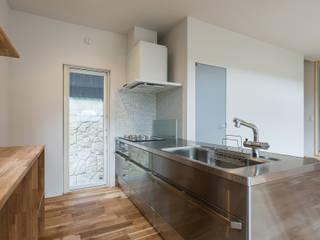 知性を感じる家 オリジナルデザインの キッチン の 東涌写真事務所 オリジナル