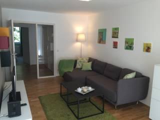 Neugestaltung eines 1 1/2 Zimmer Appartments in München: modern  von Raum & Form,Modern