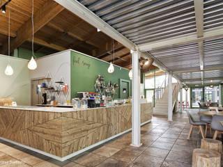 Bancone con retro banco: Bar & Club in stile  di Silvana Barbato, StudioAtelier