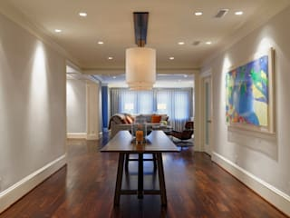 Luxury Kalorama Condo Renovation in Washington DC:  Corridor & hallway by BOWA - Design Build Experts