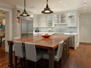 Luxury Kalorama Condo Renovation in Washington DC:  Kitchen by BOWA - Design Build Experts