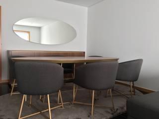 Projecto Trofa 2017: Salas de jantar  por RYU atelier de interiores ,Moderno