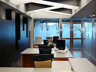 Oficina Avenida de la Albufera Estudios y despachos de estilo moderno de Arsitek Moderno