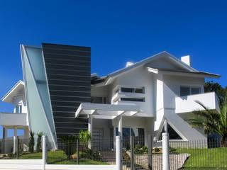Soluções Únicas: Condomínios  por Simone Miranda Representante - Amplex Aberturas em PVC,Moderno
