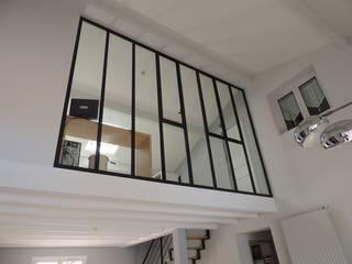 Agencement intérieur Salon moderne par Améko Moderne