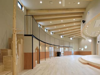 ホール モダンな医療機関 の AAO建築アトリエ モダン