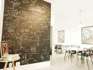 Modern Living Room by Thiago M Cordeiro Arquiteto Modern