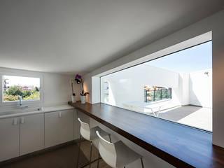 Cocinas de estilo moderno de Laboratorio di Progettazione Claudio Criscione Design Moderno