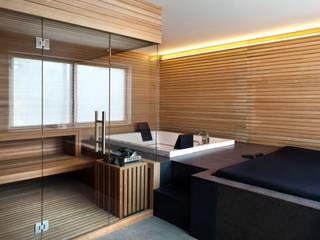 037_CASALE IN CAMPAGNA : Sauna in stile  di MIDE architetti