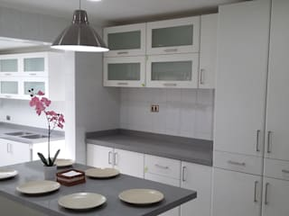 homify Dapur built in Granit White
