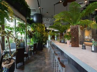 北九州市リヴァーウォーク1F サラダレストランバー  シトロネル: 一級建築士事務所  馬場建築設計事務所が手掛けたレストランです。