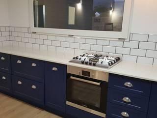Kleinmond Beach House Modern kitchen by Cape Kitchen Designs Modern