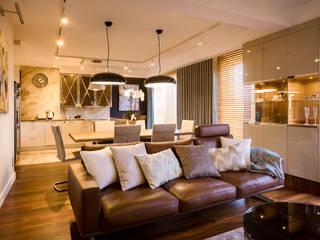 Apartament Bursztynowy Eklektyczny salon od Viva Design - projektowanie wnętrz Eklektyczny