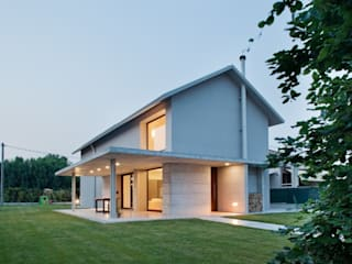 modern Houses by MIDE architetti