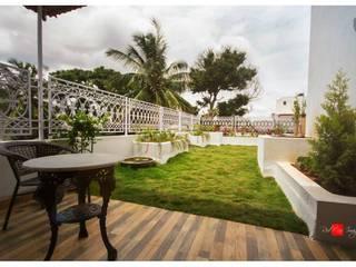 Sandarbh Design Studio Eclectic style garden