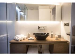 Baños modernos de Empresa constructora en Madrid Moderno
