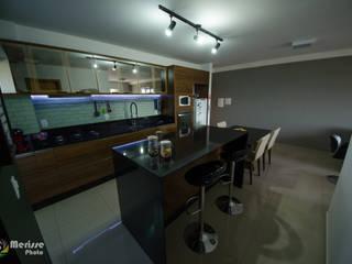Moderne Küchen von E Arquitetura e Interiores Modern